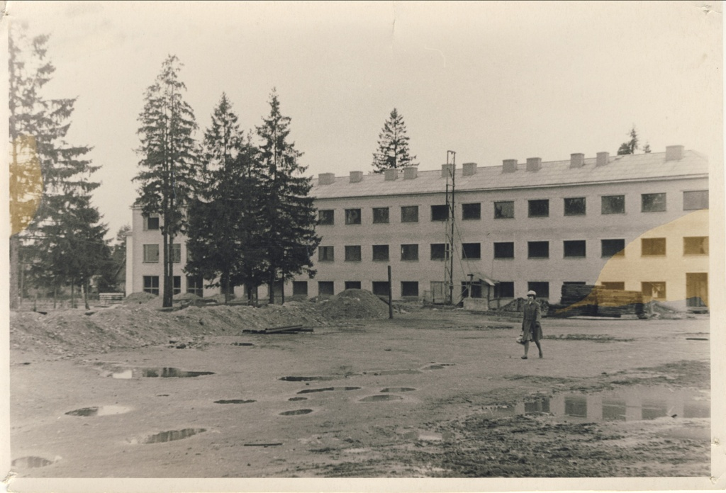 Photo. Construction of Järvakandi secondary school