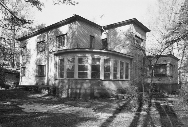Private house in Tallinn Nõmmel May 20, views of the building. Architect Eugen Sacharias