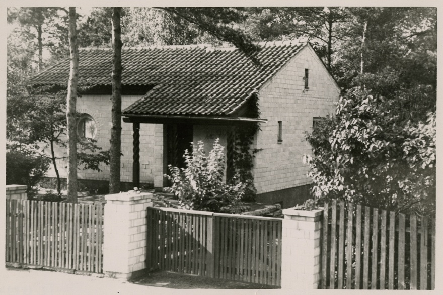 Architect Henn Roopalu's own house in Tallinn, Nõmmel, view of today's dismantled building