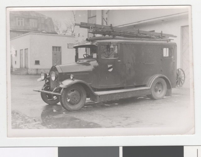 "After the second reconstruction in 1939 in 1942, the car pump ""Benz Gaggenau"" of the Tallinn Professional Firewall II team."