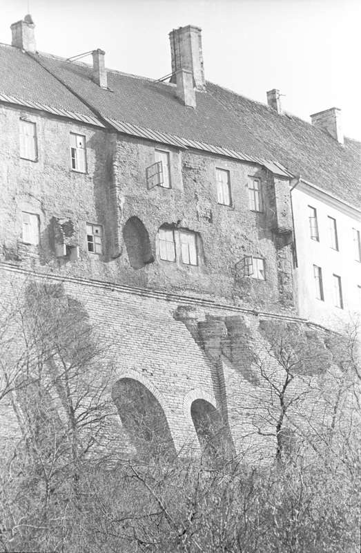 Sleeves on the external wall of Toompea buildings