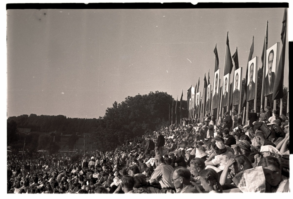 General song festival of 1950, view of the song field.