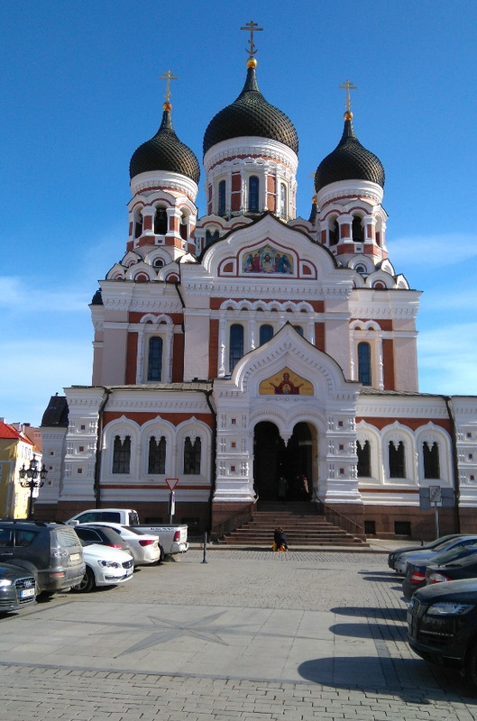 Alekander Nevski Church in Toompeal, Lossi Square. View from the bottom. rephoto