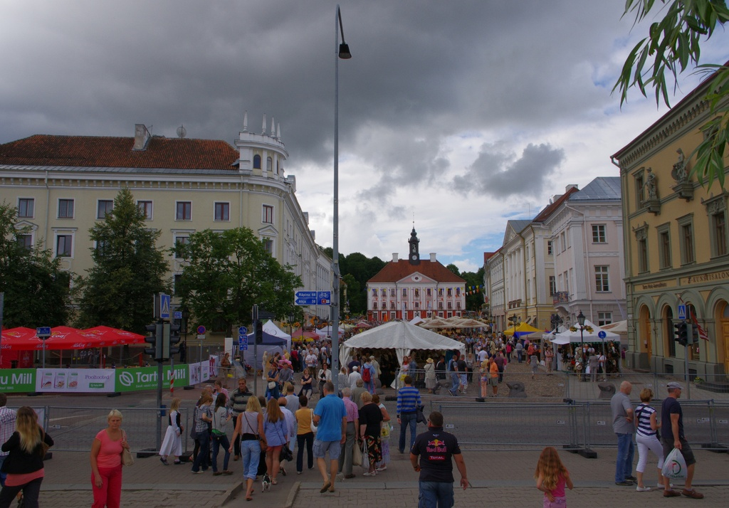 Tartu Raekoja Square and Raekoja from the Kivis Bridge rephoto
