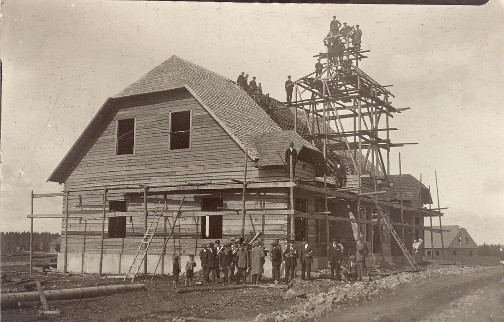 Construction of the building of Puka Firefire Society