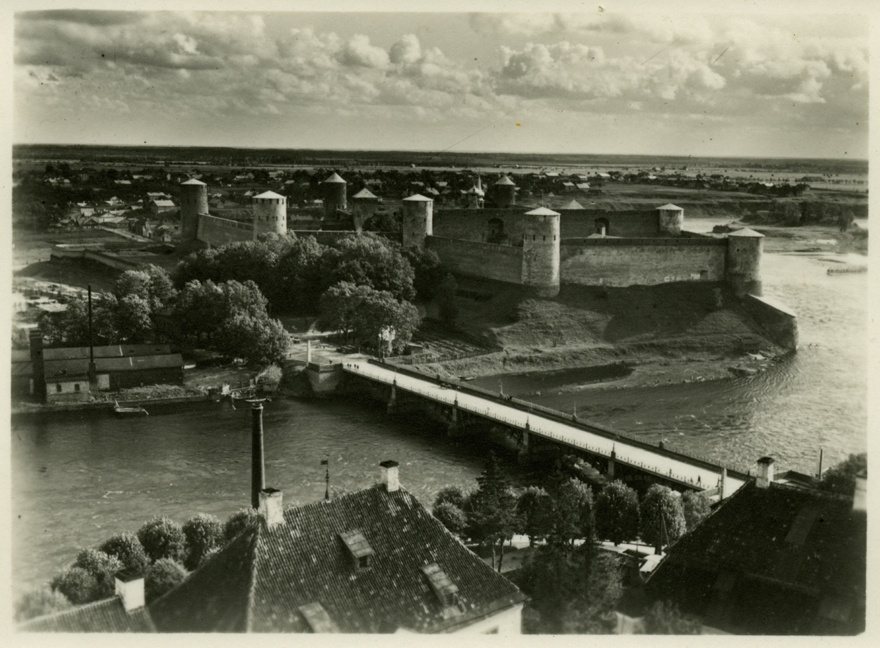 View of Jaanilinn fortress from Narva