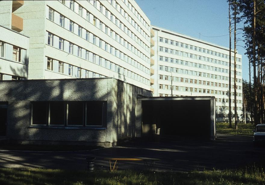 Central hospital in Võru district, view of the building. Architects Harri Kingo, Ines Jaagus, Helmi Sakkov