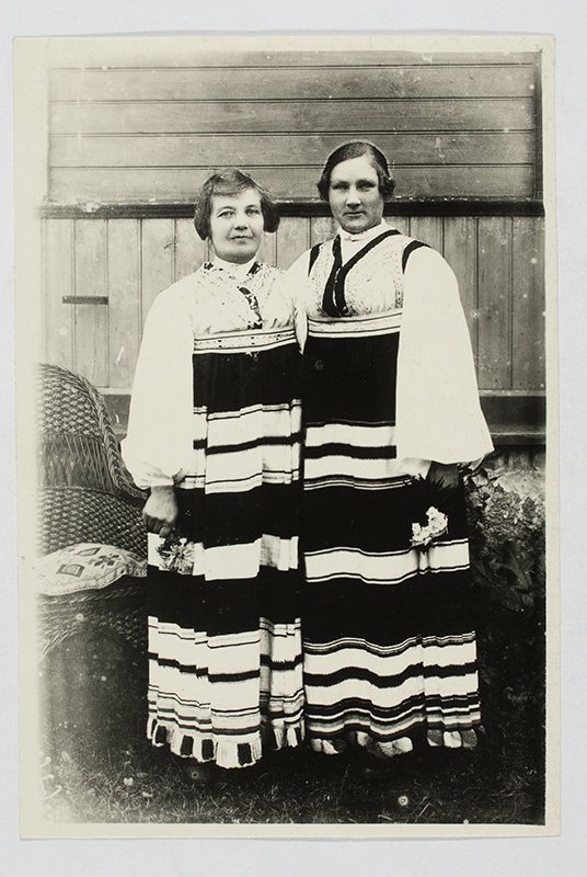 Two daughters in Jämaja folk clothes