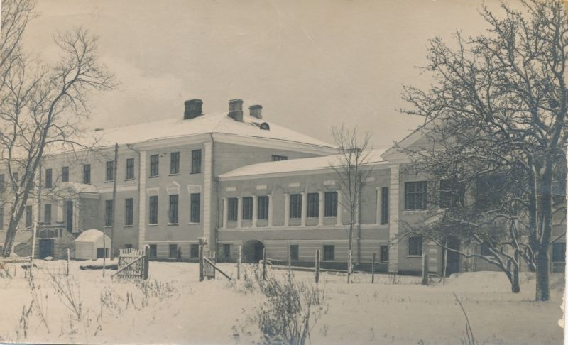 Photo. Main building of the seminar of Läänemaa Teachers. 1926.