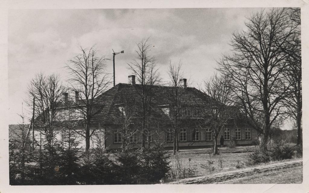 Saarepeedi algkool